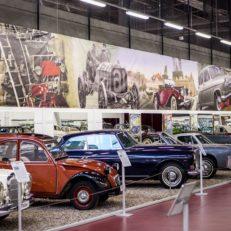 Печать декораций для выставки ретро-автомобилей Motion