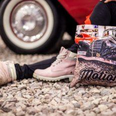 Сувенирная продукция для выставки ретро-автомобилей Motion